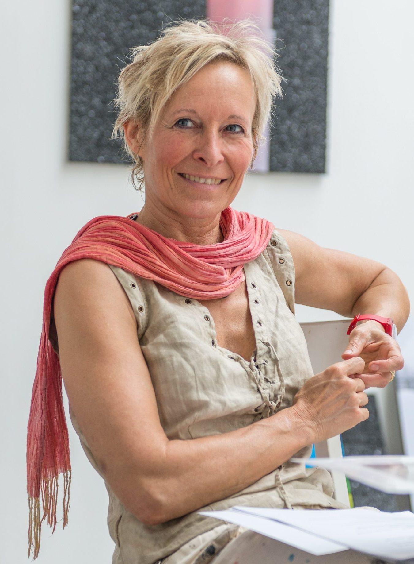 Christiane B. Bethke
