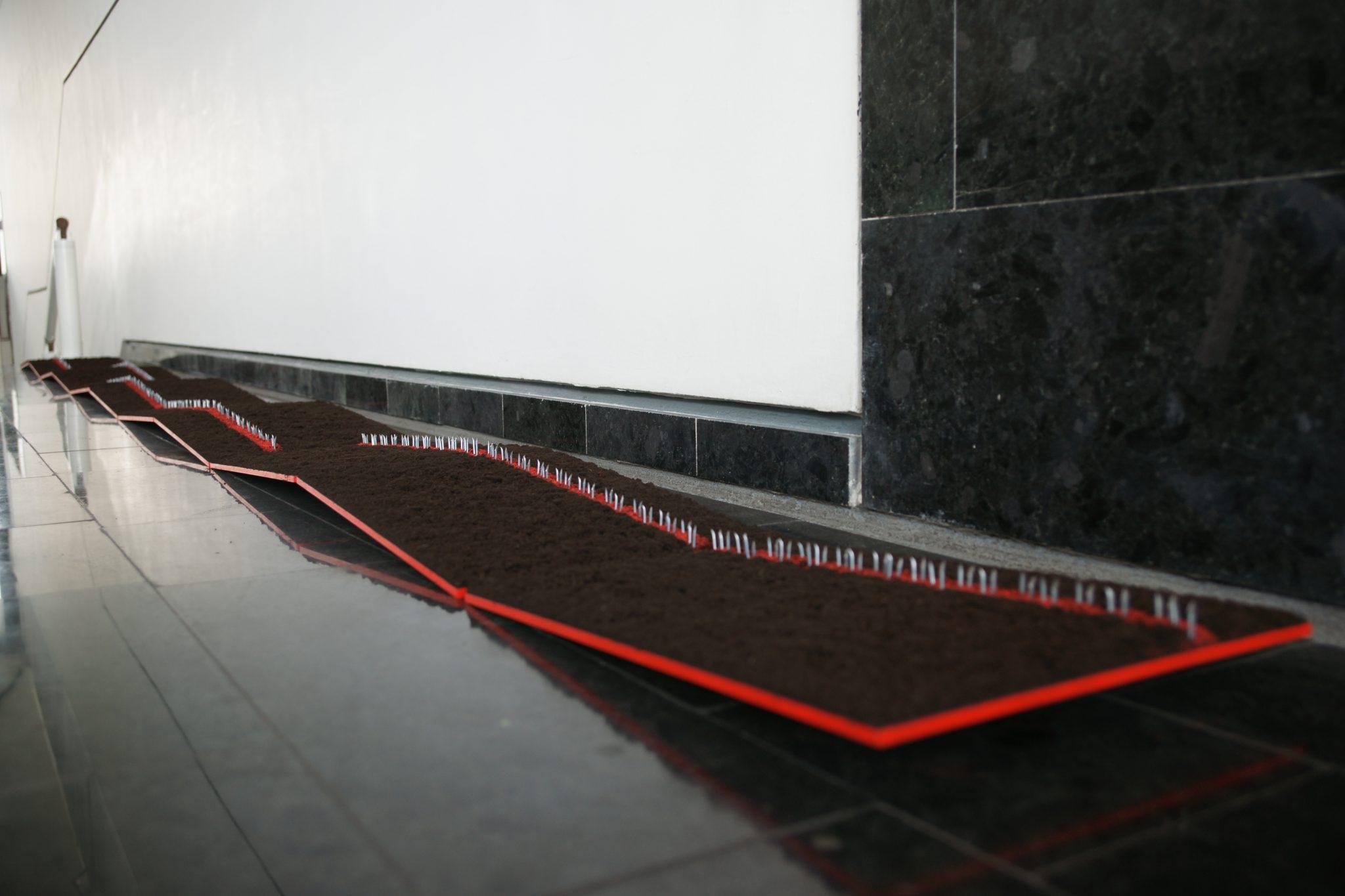 Frontier Spirit Wandprojekt Streuungen schwarz rot 03